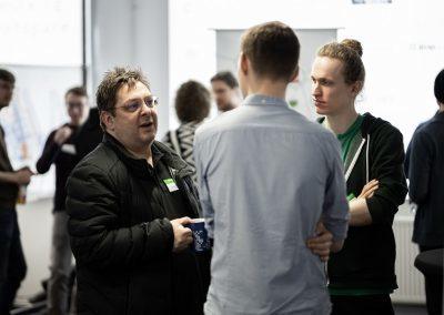 Angeregte Gespräche mit Start-ups beim Open Data Hackathon