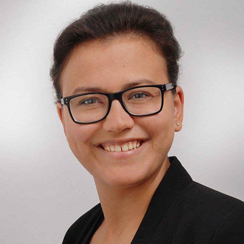 Asli Solak, - Eventmanagement im IT-Referat
