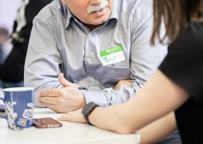 Austausch im Eventspace beim Open Data Hackathon