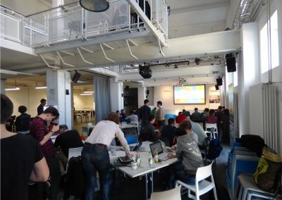Teilnehmende auf dem Hackathon 17