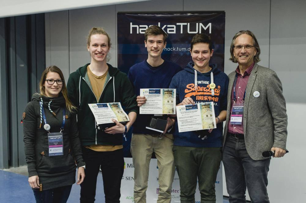 Das Gewinner-Team des HackaTUM 2017, Foto: Andreas Gebert