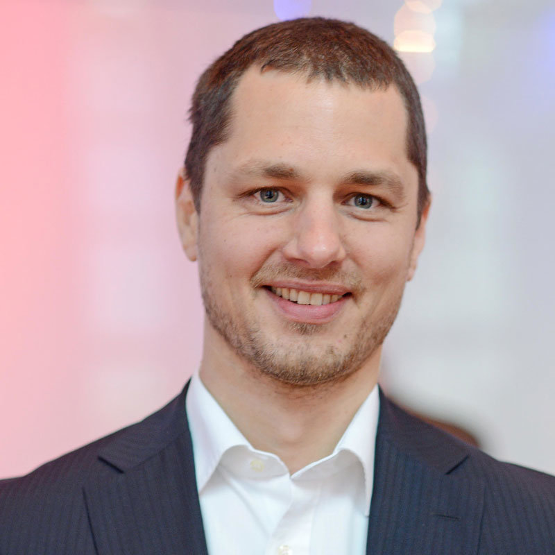 Oliver Jendro, - Berater bei der digital@M GmbH