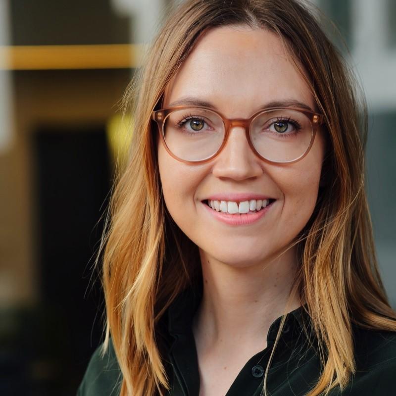 Julia Eckerlein, - Mitarbeiterin der Ausbildungsabteilung