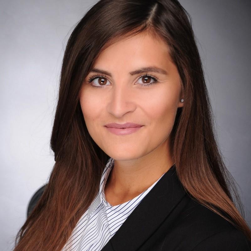 Kristina Siepmann, - Startup-Gründerin und Digital Manager