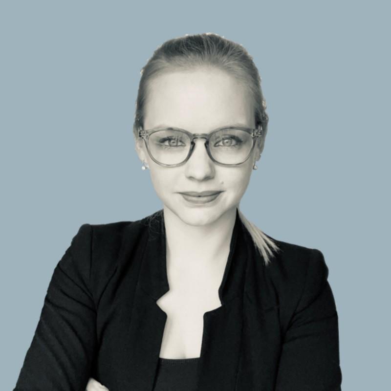 Milena Marzluff -