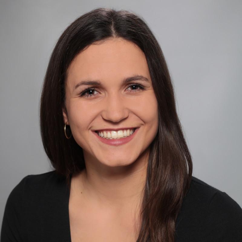 Anna Glück, - Nachwuchskraft im Bereich Digitale Kommunikation und Eventmanagement