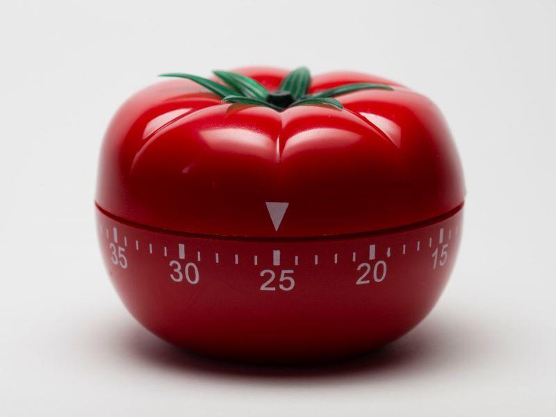 """Küchenwecker in Form einer Tomate, italienisch """"pomodoro"""""""
