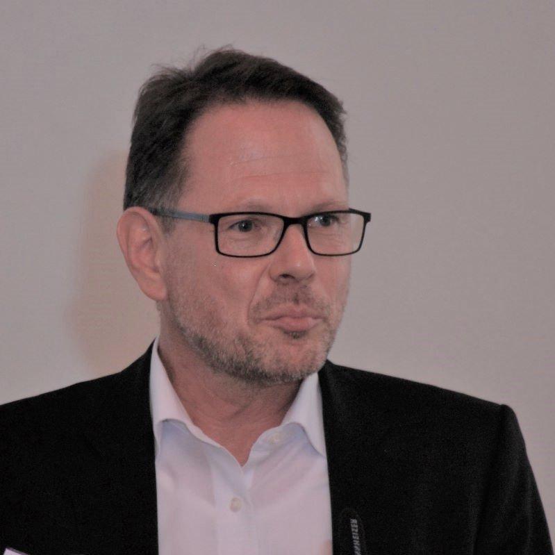 Ralf Gabriel, - Leiter IT-Projektmanagement und agile Transition bei der LHM