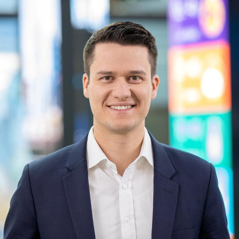 Simon Eisenreich. - Microsoft Account Technology Strategist