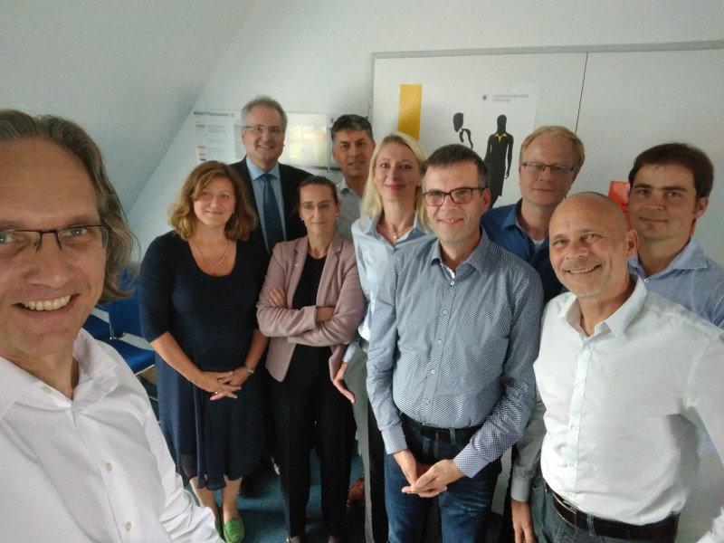 """Die Teilnehmer des Netzwerks """"Digitale Städte"""" am 06. September 2017 in München"""