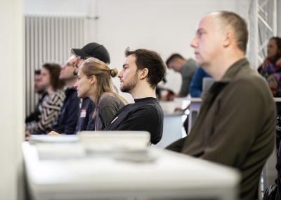 Interessierte auf dem Hackathon