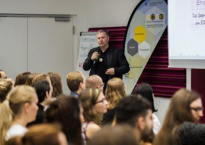 Peter Hurnaus (Microsoft) hält die Keynote beim FutureCamp 2018
