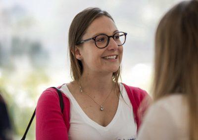 Teilnehmerin auf dem FutureCamp18 lächelt