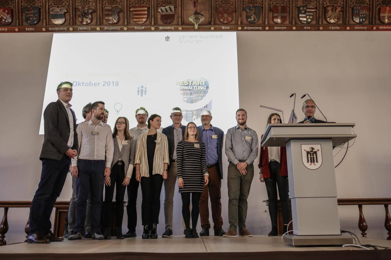 Team des Open Government Tag 2017 auf der Bühne